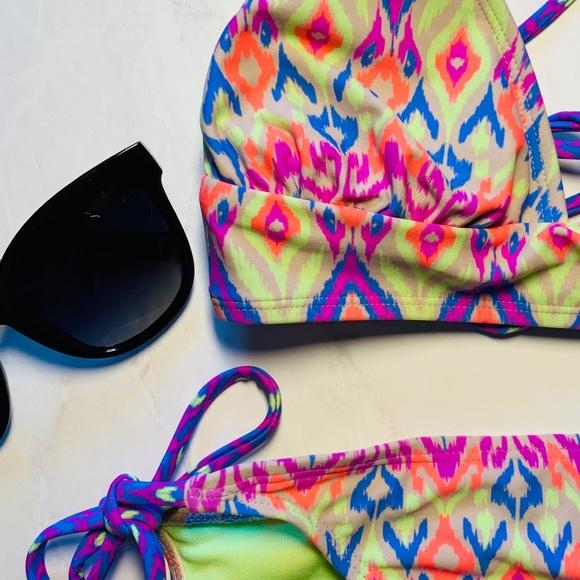 Xhilaration Other - Xhilaration Girls' Tween Geometric Bikini Sz S